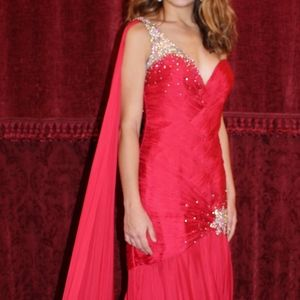 Red MacDuggal NEW Evening gown!